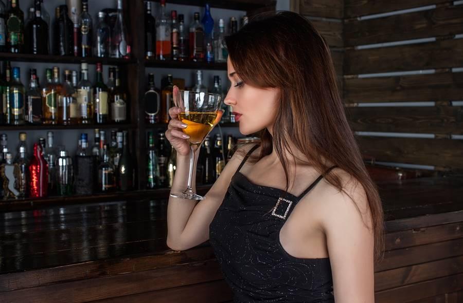 ¿Puedo Beber Alcohol Mientras Tomo Antidepresivos?