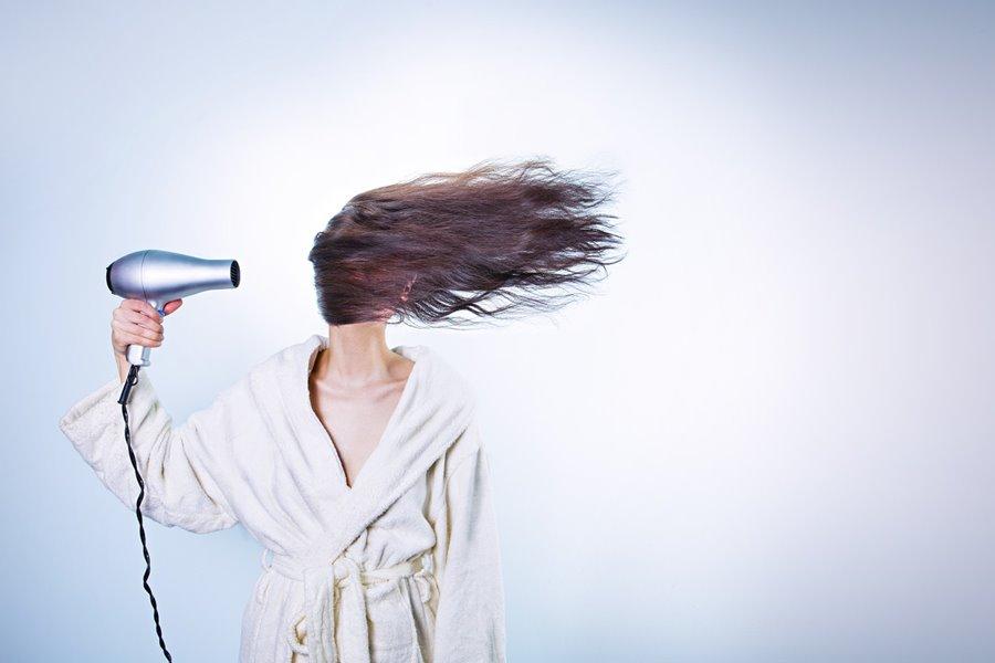 Alopecia femenina, causas de alopecia femenina, tipos de alopecia femenina, caída del pelo en las mujeres, alopecia en la mujer, alopecia en las mujeres, calvicie en la mujer, calvicie en las mujeres, tratamiento de la alopecia femenina, tratamiento de la alopecia en la mujer, tratamiento de la calvicie femenina, tratamiento de la caída del pelo en la mujer, tratamiento de la calvicie en la mujer,