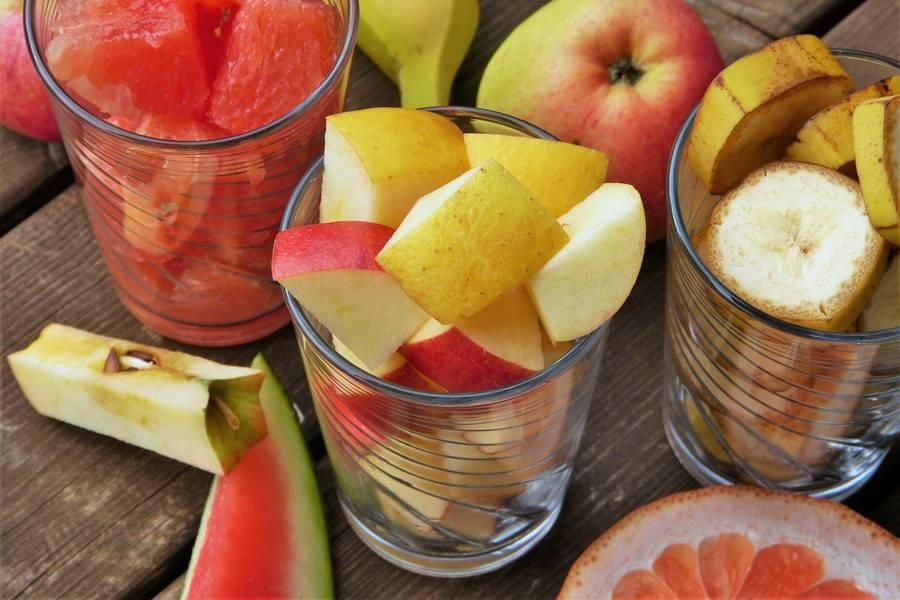 Dieta para la Diabetes, Dieta para diabéticos, ¿Qué es la Diabetes?, tratamiento dietético para la diabetes, Objetivos de la Dieta para la Diabetes, Consumo de Hidratos de carbono en la Dieta para Diabéticos, Consumo de Proteínas en la Dieta para Diabéticos, Consumo de Grasas en la Dieta para Diabéticos, Consumo de Fibra en la Dieta para Diabéticos, Consumo de Vitaminas y Minerales en la Dieta para Diabéticos, Consumo de Agua en la Dieta para Diabéticos, Cantidad de Calorías diarias en la Dieta para Diabéticos, alimentación en la diabetes, Horario de las comidas en la Dieta para Diabéticos, Alimentos para diabéticos,