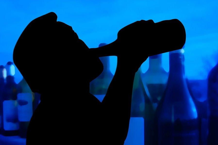 Dieta para el ácido úrico, dieta para la gota, Dieta para la hiperuricemia, hiperuricemia, ácido úrico elevado en sangre, ¿se puede comer marisco si tienes elevado el ácido úrico?, ¿qué carne no se puede comer cuando tienes alto el ácido úrico?, ¿Qué es el Ácido Úrico?, ¿Qué enfermedades produce el aumento de Ácido Úrico?, ¿Por qué aumenta el Ácido Úrico en sangre?, ¿Por qué aumenta el Ácido úrico al realizar una dieta para adelgazar?, dieta para bajar el ácido úrico, cómo bajar el ácido úrico, alcohol y ácido úrico