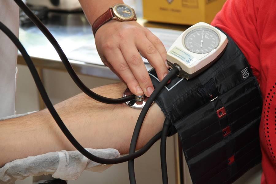 Cómo se produce la Hipertensión Arterial, por qué se produce la hipertensión arterial, Qué es la Hipertensión Arterial, Qué causa la Hipertensión Arterial, ¿Qué es la tensión Arteria?, ¿Qué es la Presión Arterial Sistólica?, ¿Qué es la Presión Arterial Diastólica?, hipertensión arterial primaria o esencial, causas de hipertensión arterial secundaria, tensión arterial, tensión aterial alta, tensión arterial elevada, aumento de la presión alta, qué causa el aumento de presión arterial, presión arterial.