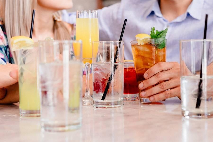 ¿Puedo beber alcohol si tomo sertralina?, ¿Qué pasa si bebo alcohol con sertralina?, ¿Qué es la Sertralina?, alcohol y sertralina, alcohol con sertralina, alcohol y besitran, alcohol y aremis,
